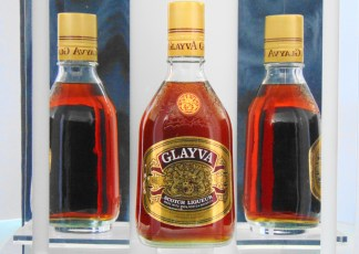GLAYVA  SCOTCH LIQUEUER MADE WITH 100% SCOTCH WHISKIES