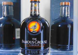 FAMOUS GROUSE LIQUEUR INFUSING CITRUS FRUITS SPICES & WHISKIES
